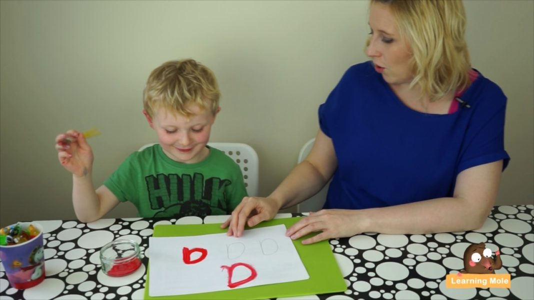 Writing Letter 'a' in English